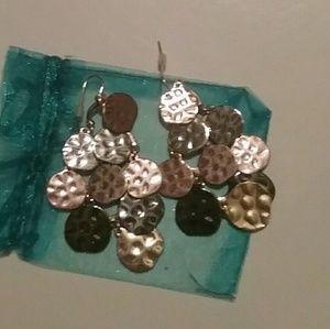 Jewelry - Womens Pretty Dangle Earrings nwot!